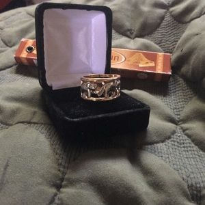 Jewelry - *NWT* - Silver & Gold Plated Elephant Ring